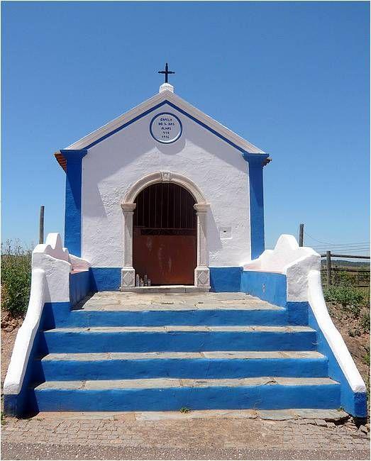 Chapelle_à_Fronteira_Alentejo_Portugal_(2610593858).jpg (523×650)