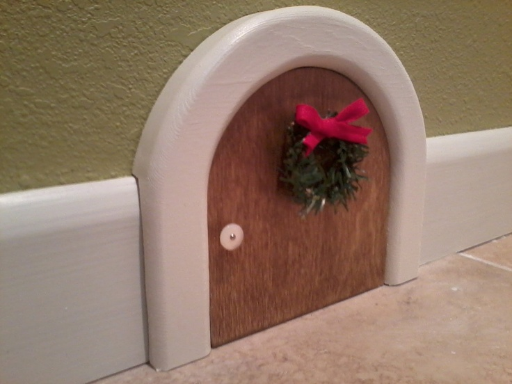 Merry Mouse Hole, Christmas. Etsy.