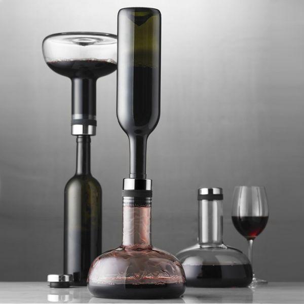Menu dekantáló Végre itt a dekantáló, amelybe cseppmentesen öntheted át a palackból a drága nedűt. A dekantáló száját úgy tervezték meg, hogy tökéletesen illeszkedjen a borospalackok szájához. Akár azt is megteheted, hogy többször is megismétled folyamatot, vagy a meglevegőztetett bort visszaöntöd, így az eredeti palackból kínálhatod a vendégeknek.