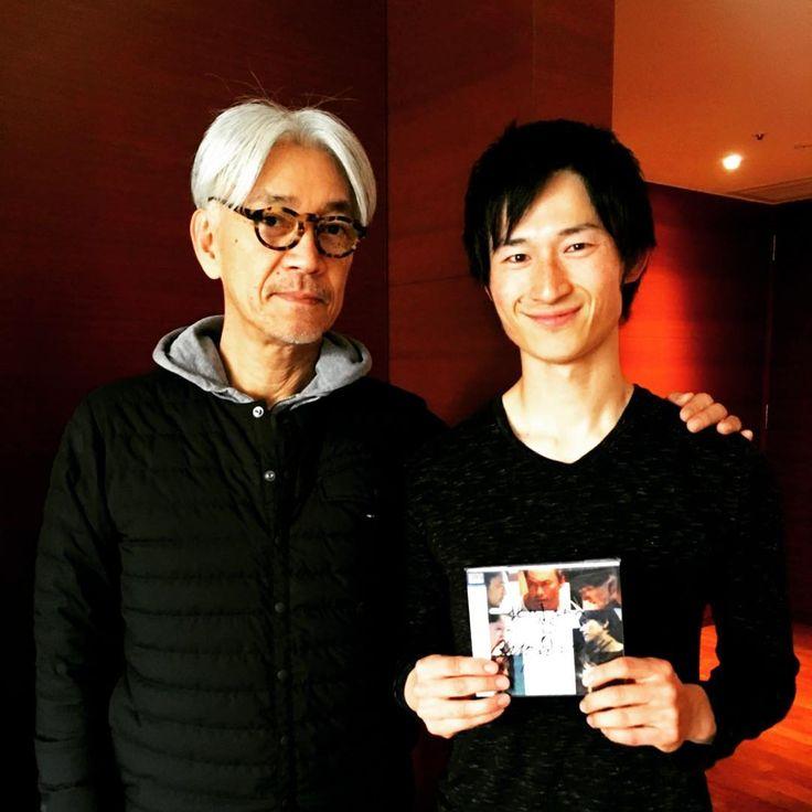 いいね!63件、コメント4件 ― yusuke kitagawaさん(@yusuke1987)のInstagramアカウント: 「【坂本龍一さんのアクティブボディデザイン✨】 今日あたらしいアルバム「async」を発売された、 坂本龍一さんのアクティブボディデザインを先日させて頂きました✨…」
