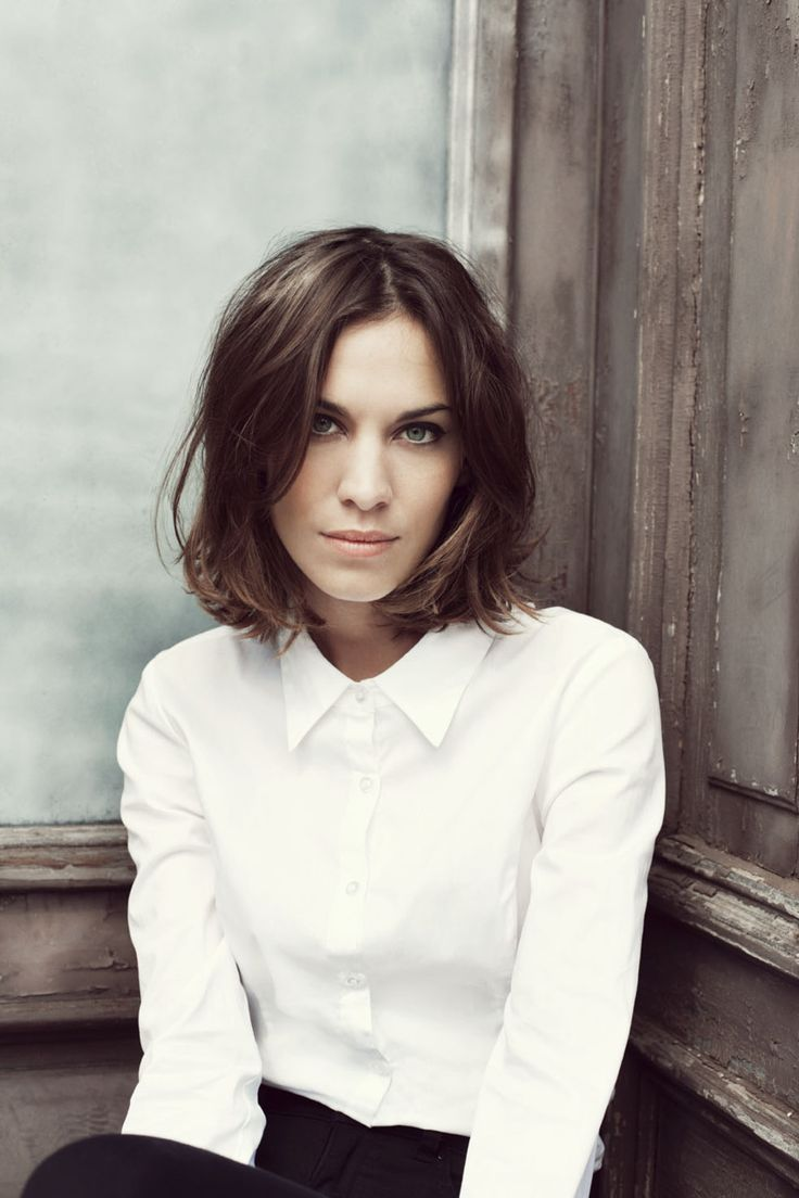 What I'd do with my hair if it weren't so massively thick (thus ensuring less Alexa Chung, more helmet).