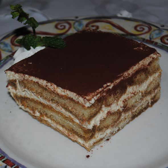 TIRAMISU | Romano's Macaroni Grill Copycat Recipes http://romanosathome.blogspot.com/2013/08/tiramisu.html