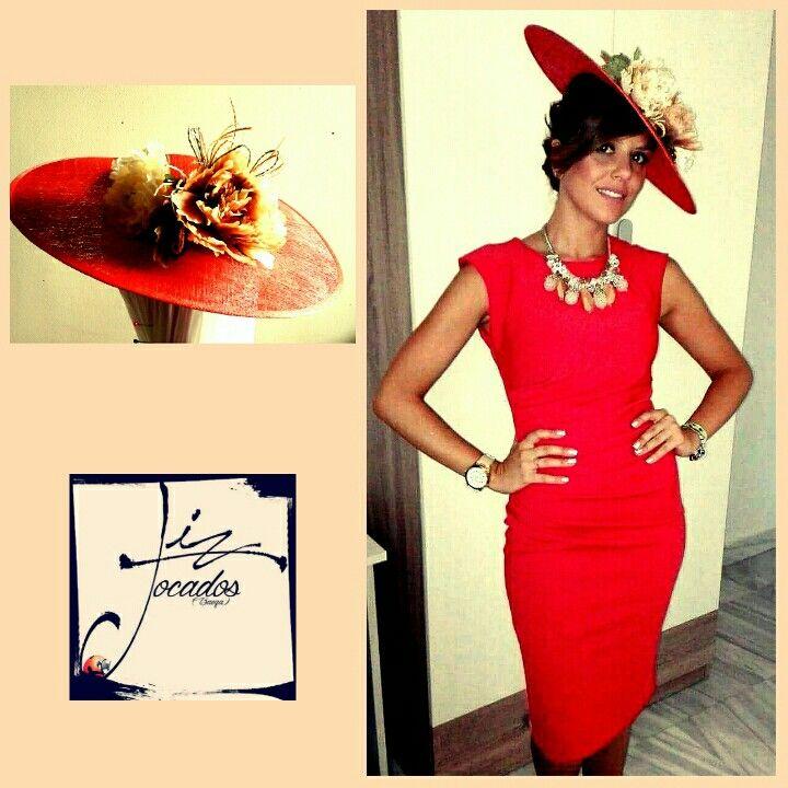 Rojo Valentino, color que nunca te equivocas. #invitadas, #tocados, #perfecta