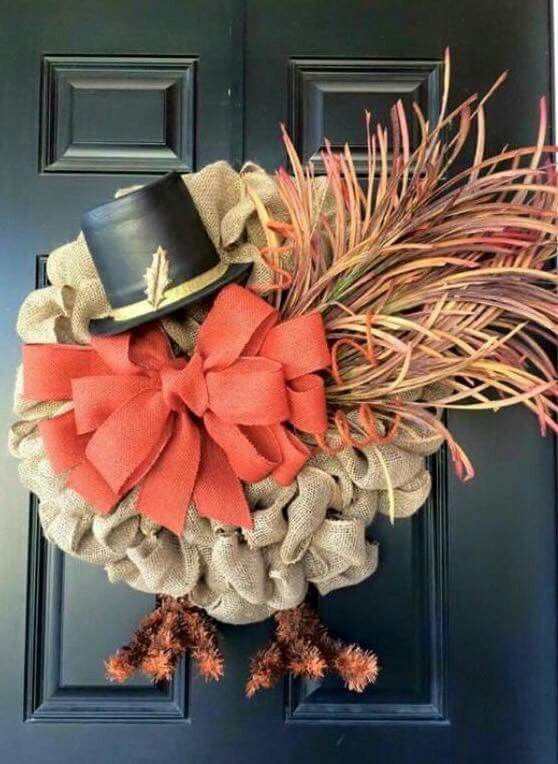 Adorable turkey wreath for Thanksgiving!