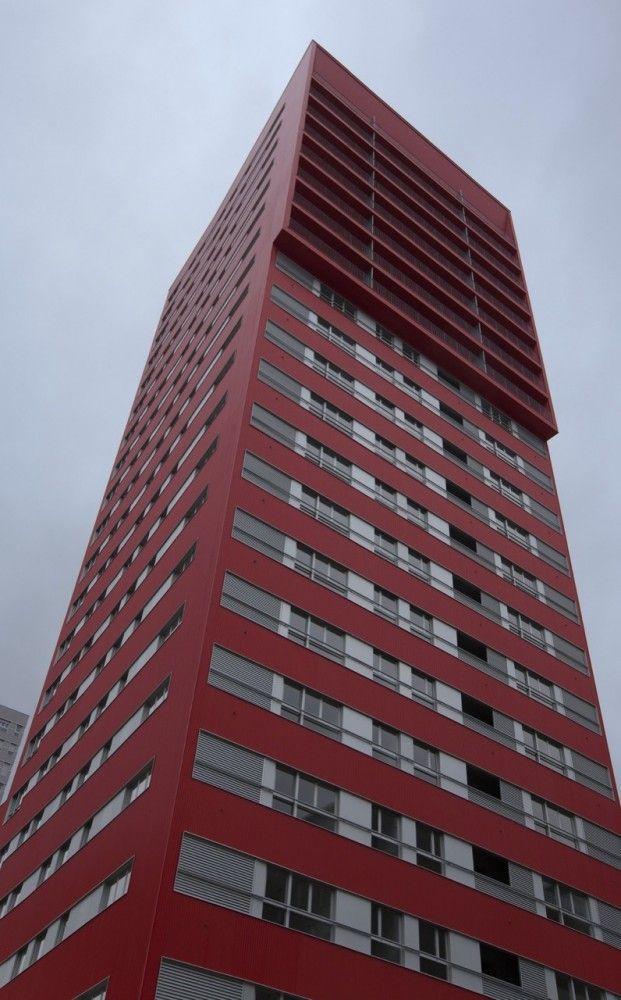 242 Social Housing Units in Salburúa / ACXT