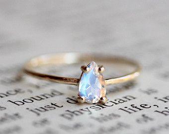 14K anillo piedra de luna de la pera, pera anillo, piedra de luna Facetada pera, lágrima, anillo piedra de luna, arco iris Moonstone azul
