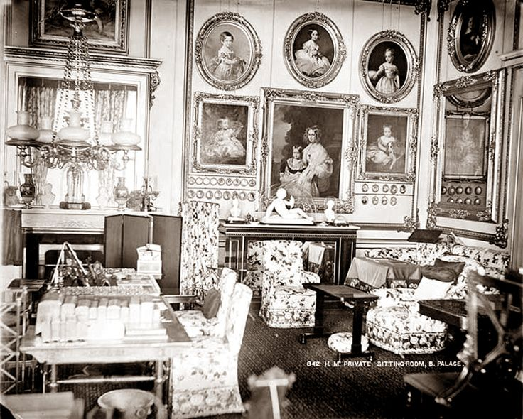 Buckingham palace queen bedroom and palaces on pinterest - 332 Best Images About Queen Victoria S Children On