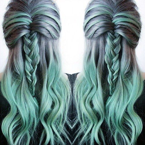 Such a cool mix of color! Try our #BlueSteel for the grey and our brand new color #Mermaid all mixed with our award winning #Pastelizer to get this unique look!