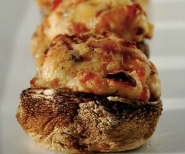 Bacon and Cream Cheese Stuffed Mushrooms. Absolutely delicious and easy to cook