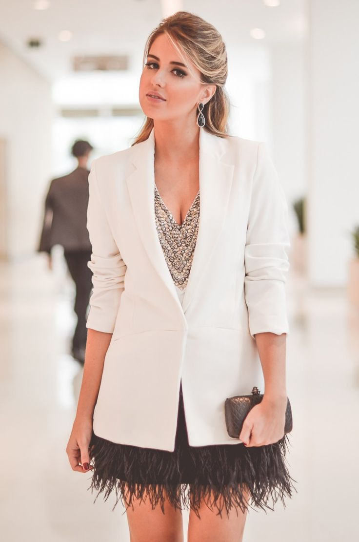 Look do dia para SPFW verão 2015: saia de plumas + blusa bordada + blazer branco!