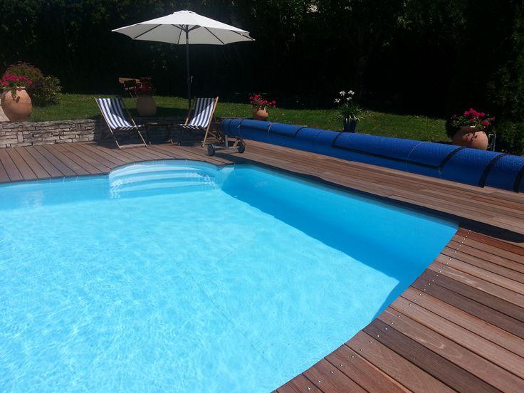 Il fait beau, il fait chaud... Un petit plongeon dans cette magnifique piscine serait le bienvenu :) Découvrez tous nos modèles de piscines bois sur notre site | Manubricole.com