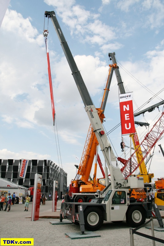 Yard Boss Industrial Cranes : Grove yard boss on bauma cranes