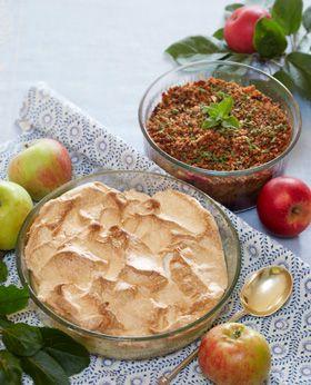 Brug æblehøsten til søde desserter. Her får du to opskrifter på lækre æblekager