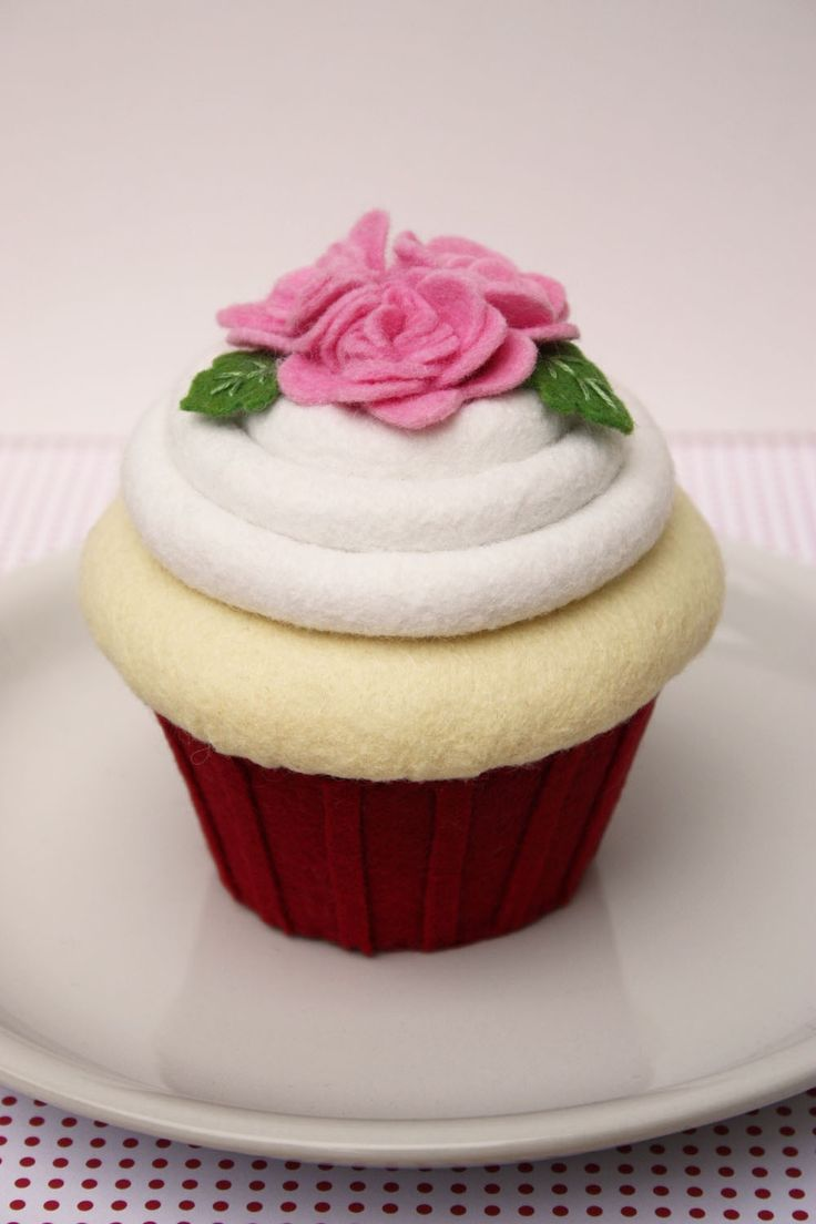 Felt Cupcake  Red and Pink Roses. $48.00, via Etsy.