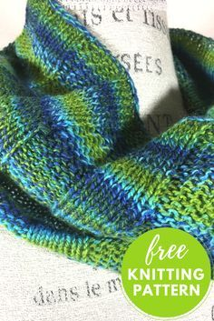 Sea Glass Cowl Free Knitting Pattern - Easy! One skein project