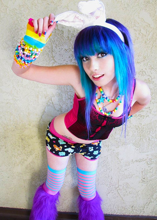 Pin by Hanna on I Heart The Weekend Rave girls, Raver