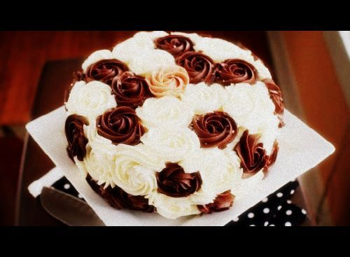 #Rose #ChocolateAnd Vanila #RoseDaySpeial #Yummy #FullToChocolateLayer