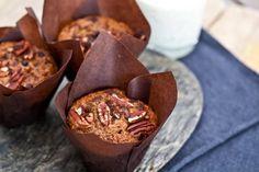 Muffiny s banánem, kousky čokolády a pekanovými ořechy
