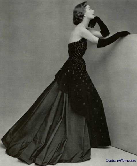 Couture Allure Vintage Fashion: Take Your Holiday Dressing Up a Notch, Wearing Gloves. I love her pose here. (gown, Marcel Rochas, 1950- don't you love it?!)