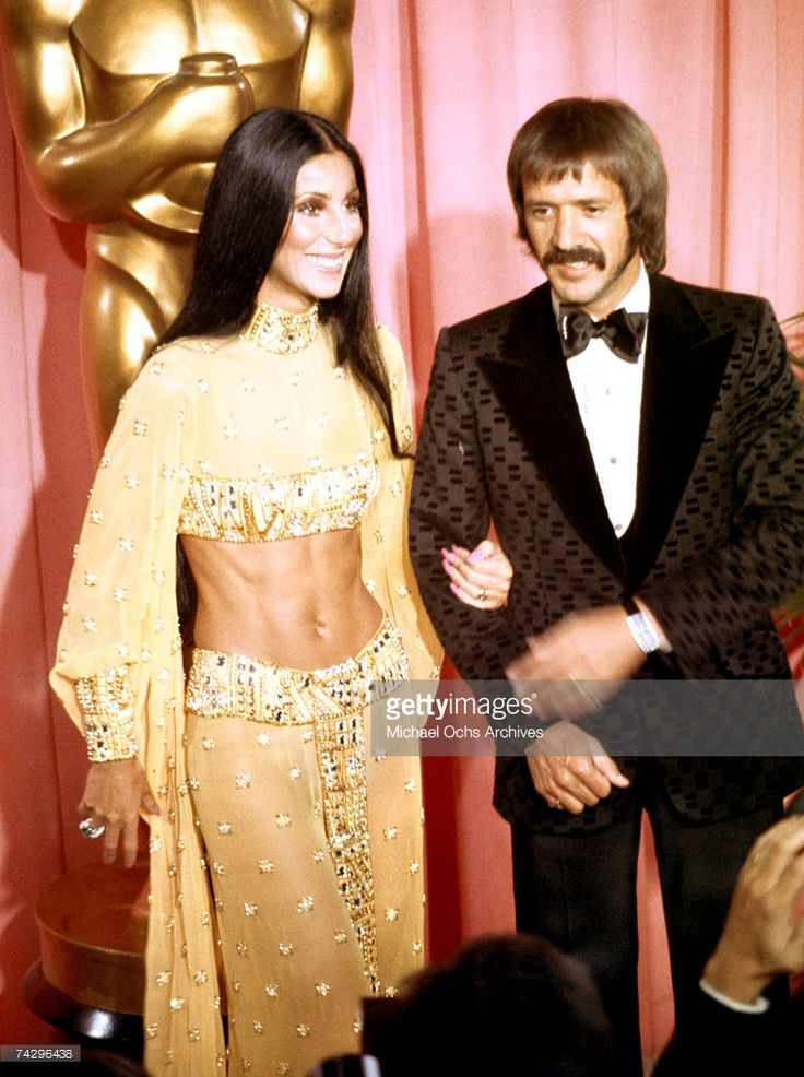 Entertainers Sonny Bono and Cher attend the Academy Awards ceremony at the Dorothy Chandler Pavilion on March 27, 1973 in Los Angeles, California.