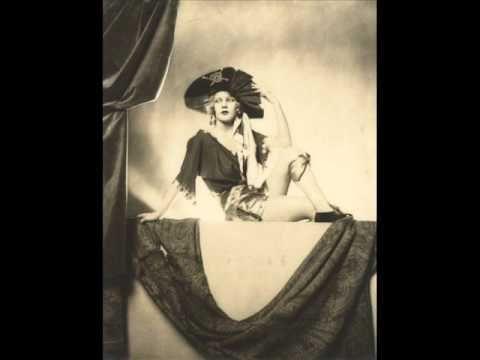 Lotte Lenya - Moon of Alabama - Weil & Brecht - La version originelle, interprétée en 1930 par Lotte Lenya, l'épouse de Kurt Weil...
