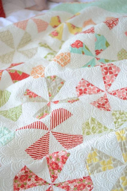 dilly dally pattern by camille roskelley, via FlickrCamille Roskelley, Quilt Inspiration, Dilly Dally, Camile Pinwheels Quilt, Quilt Ideas, Camile Roskelley Quilt, Beautiful Quilt, Thimble Blossom, Quilt Pattern
