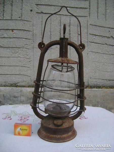 Régi viharlámpa, petróleum lámpa