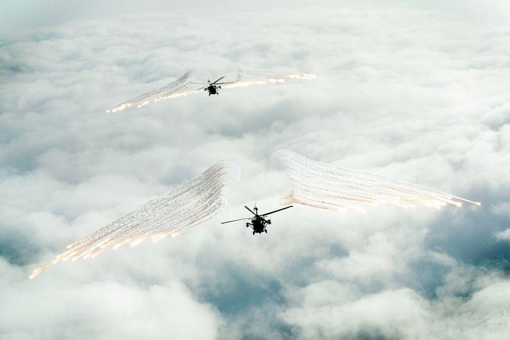 HH-60 Black Hawk FLARE ON!