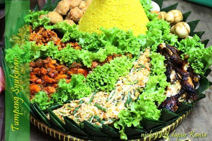 Yellow Rice Cone (turmeric) and side dish (7 type food)