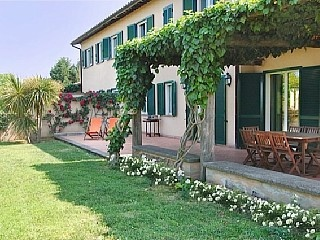 Oversikt over Villa Domitilla & Villa Sveva 8 soverom, soveplass til 16 Feriehus i Provinsen Rieti fra @homeaway! #vacation #rental #travel #homeaway