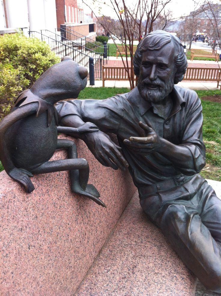 Jim Henson Statue - Muppet Wiki
