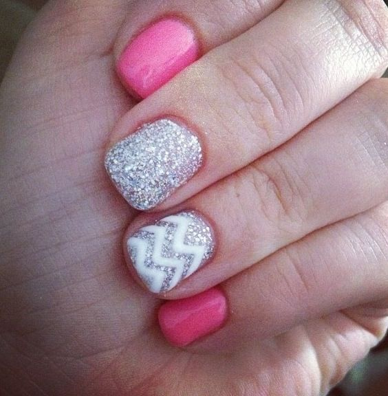 love these nails. i wish i could do something like this to my nails, or have someone do it for me without costing $