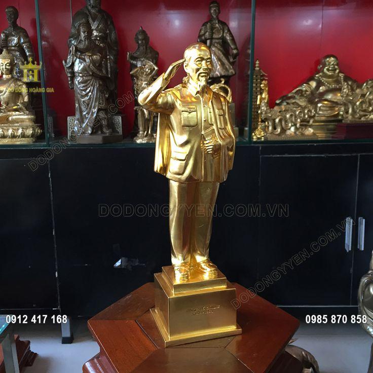 tượng bác hồ đứng dát vàng