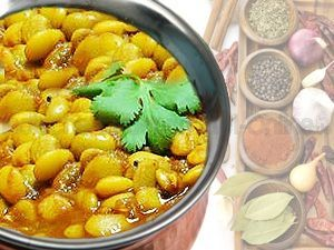 Indisches Rezept: Butterbohnen Curry – indisches Curryrezept. Indisches Essen – sehr einfach, schnell und leckere indische Gerichte jetzt zuhause selbst indisch kochen. Zutaten – Alles was Sie brauchen Zubereitung – Schritt für Schritt Anleitung Alle Rezeptzutaten Online kaufen Zutaten Butterbohnen Curry – indisches Curryrezept: 2 Tassen gekochte Butterbohnen 1 TL Kreuzkümmel 1 TL Kurkumapulver 1 […]