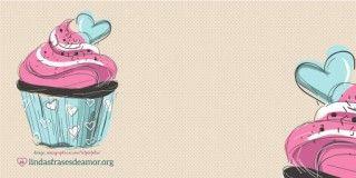 Imagem de bolos rosas com Frase de Feliz Aniversário para sobrinha com o nome Thais Cristina