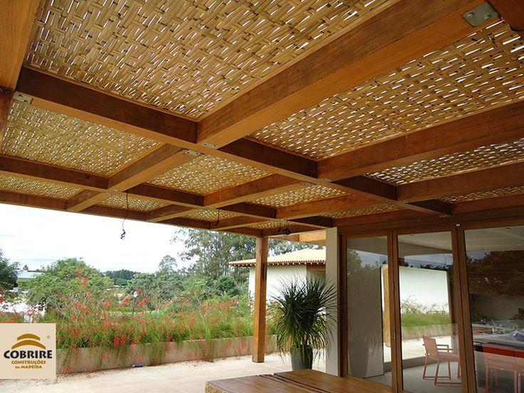 Forro em Bambu para Pergolado, uma ótima opção de sombra com muito charme! www.cobrire.com.br #cobrire #deck #pérgola #bamboo #pergolado #cobertura #estrutura #bambu #quiosque #madeira #design #arquitetura #paisagismo #decoração #decor #architecture #archilovers #architect #wood #landscape #outdoors #style #life #lifestyle #sun #summer #casa #deckdemadeira