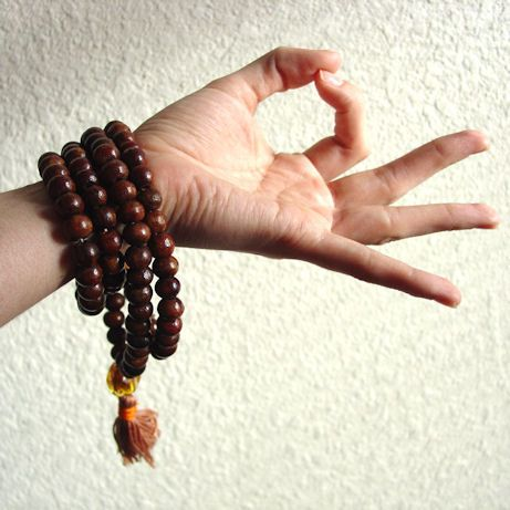 This hand mudra opens the Root chakra, and moves more energy to the legs and lower body. Makes one calmer and more concentrated.