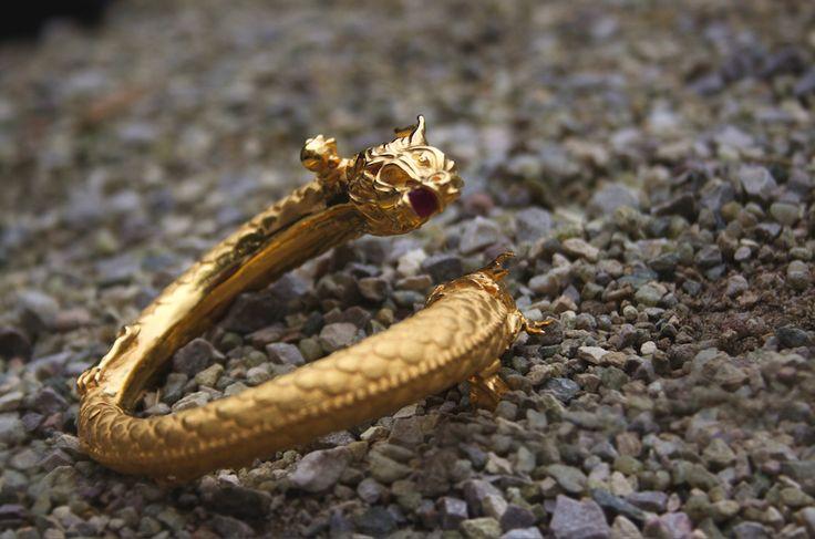 Dragons Bracelet  #gemstones #ruby #dragonbracelet #dragon #bracelet #limitededition #chinesedragon #18kgold #yellowgold #finejewellery #annalubomirska