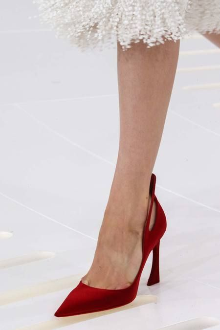 Dior 2015- Tuba TANIK - I am sooo in love with this Dior fall/winter 2914-15 heel