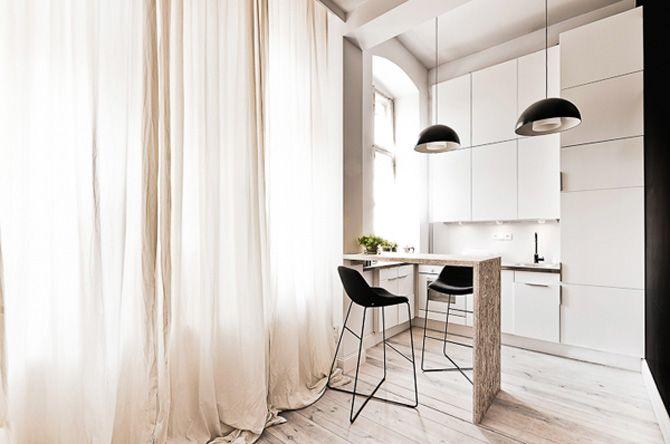 Bílá kuchyň v bytě o 29m2