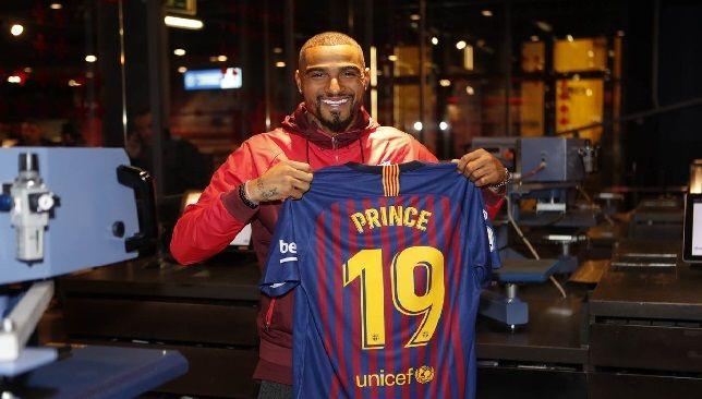 برشلونة يقدم لاعبه الجديد كيفن برينس بواتينج موقع سبورت 360 أعلن نادي برشلونة الإسباني عن تعاقده بشكل رسمي مع ا Barcelona Real Madrid And Barcelona Football