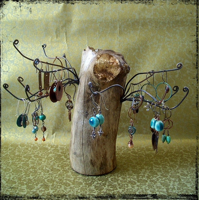 driftwood jewelry stand how creative