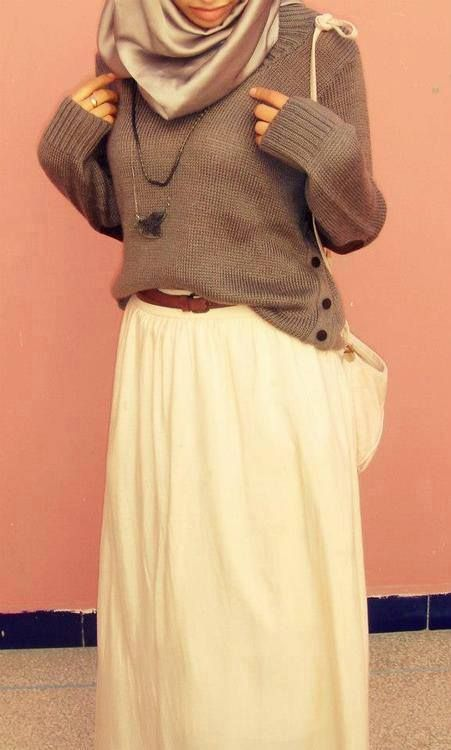 Hijab 'Trash' Look Outfit. Who says tucked in, but not all the way doesn't work? :) Sweater + Maxi #hijab