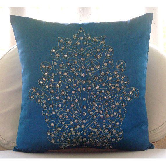 17 Best Ideas About Royal Blue Bedding On Pinterest