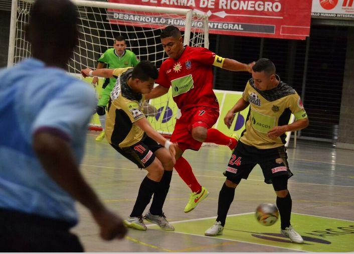 Un 7-5 contundente dejó como ganador del clásico antioqueño a #Rionegro sobre #ÁguilasDoradas. #FútbolRevolucionado