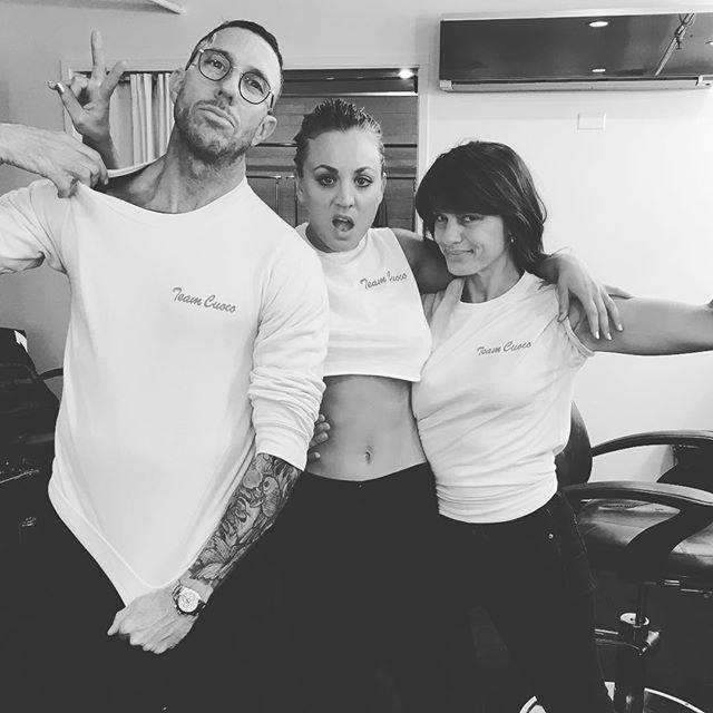 Jennifer Lopez reveals rock-hard abs, belly ring in pink ...
