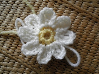 crocheted daisy pattern. This is one of the best I have seen so far and I have been looking!