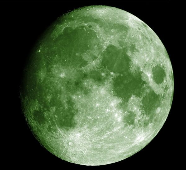Will the moon turn green this year?  #greenmoon #hoax