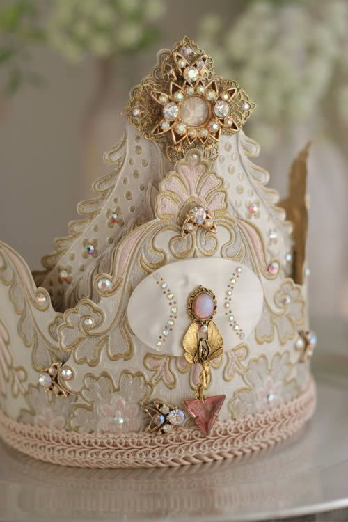 crown: Vintage Shabby Chic, Little Girls, Paper Crown, Birthday Crowns, Crowns Jewels, Children Costumes, Princesses Crowns, Princesses Parties, Little Princesses