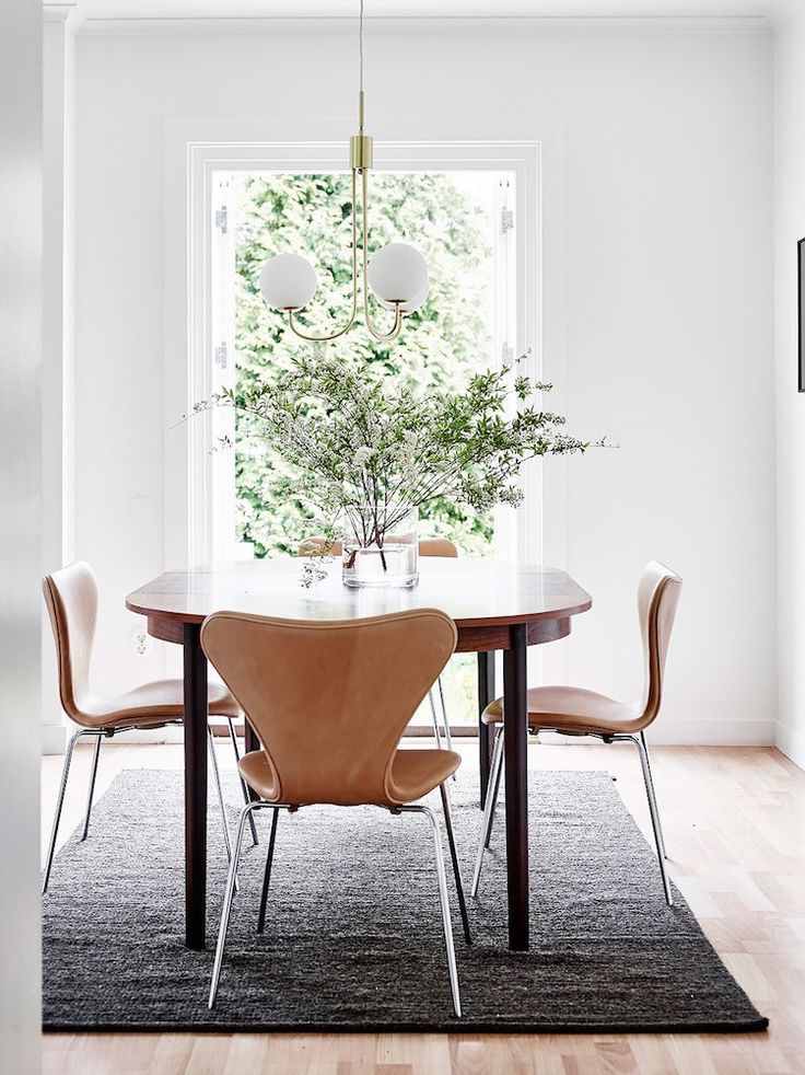 Series 7 chairs in cognac in a Swedish home.